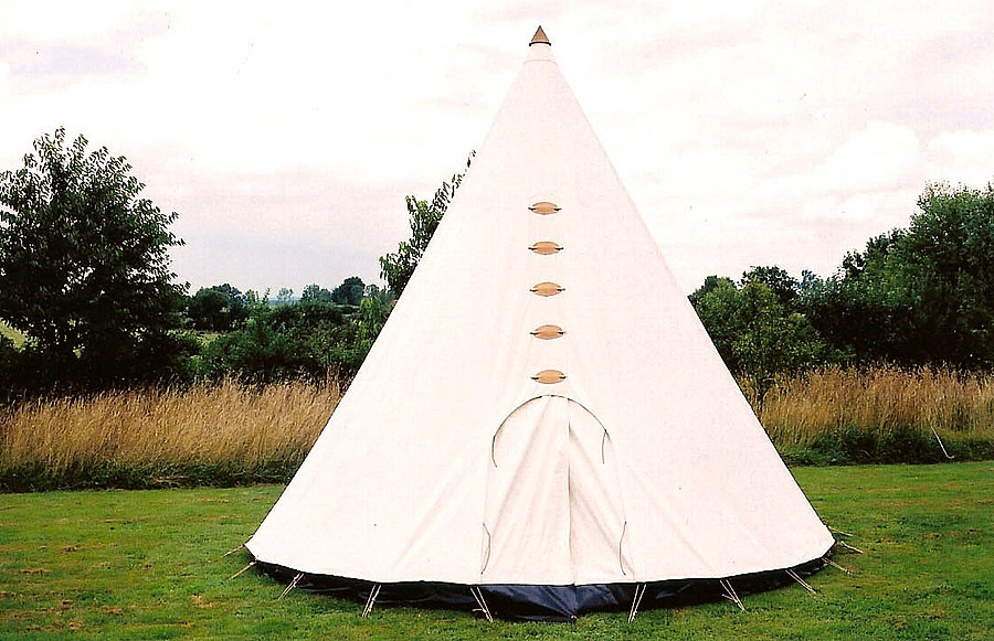 tipi fabrication artisanale de tipis et tentes traditionnelles tipis m lody moulin. Black Bedroom Furniture Sets. Home Design Ideas